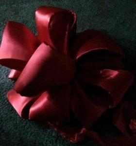 Бант для оформления подарков крупных.