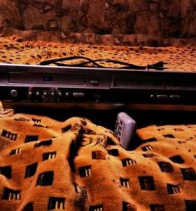 Видео-магнитофон караоке кассета и диск.