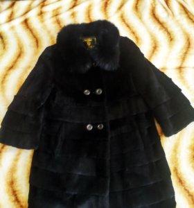 Стильное новое пальто из кролика