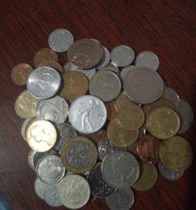 Жменя иностранных монет