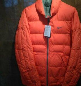 Новая куртка NIKE