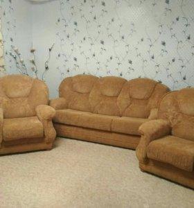 Укомплектованный диван с креслами