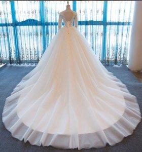 Роскошное свадебное платье новое!
