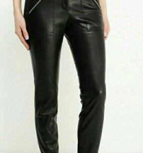 Кожаные брюки.