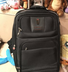 чемодан Delsey, как новый