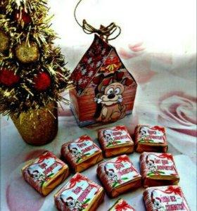 Продаются новогодние шокобоксы и шоколадки