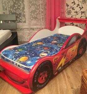 Детская кроватка-машинка Молния Маккуин