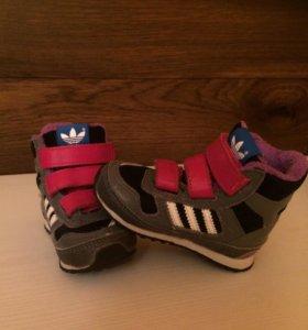 Утеплённые кроссовки