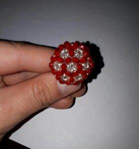 Кольцо ручной работы из бисера