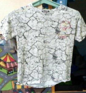 Белая футболка с прикольным принтом
