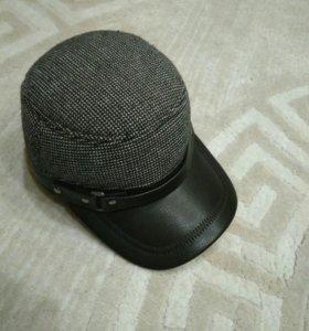 Зимняя мужская кепка с ушками