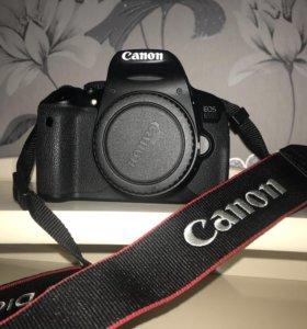 Canon 650D kit 18-135 f/3.5-5.6 is STM