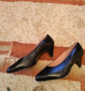 Кожаные туфли р-р 36-37