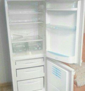 Холодильник б/у хорошее состояние