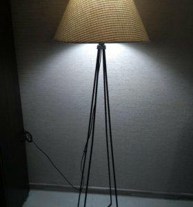 Торшер (напольный светильник)