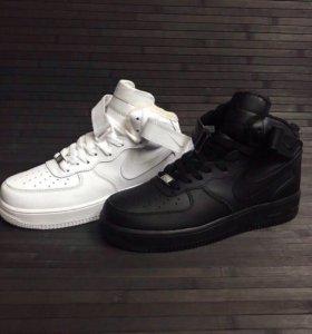 Новые зимние кроссовки Nike Air Force