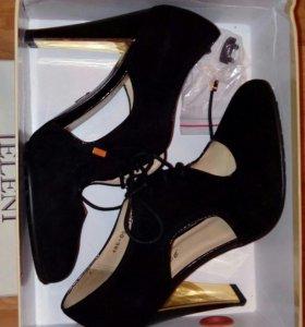 Новые туфли Jeleni 39 размера