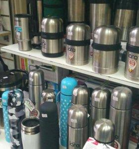 Термосы разные в магазине