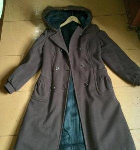 Пальто женское с капюшоном зимнее
