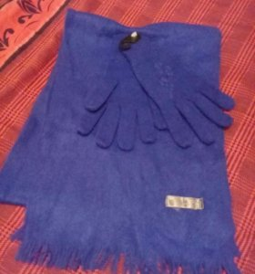 Новые перчатки и шарф женские.