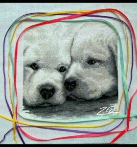 """Картина в технике счетный крест """"Два белых щенка"""""""