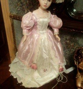 Куклы фарфора