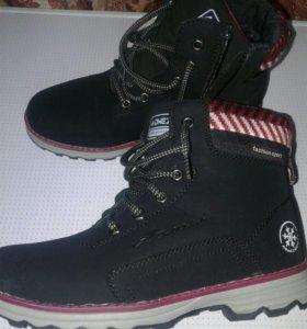Новые зимние ботиночки 39разм