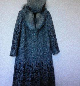 Пальто зимнее с шапкой