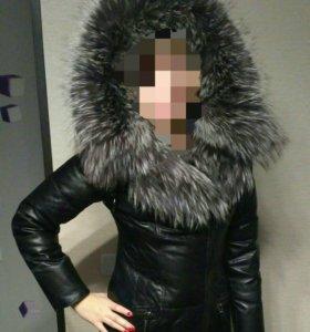 Кожаная зимняя куртка с мехом чернобурки