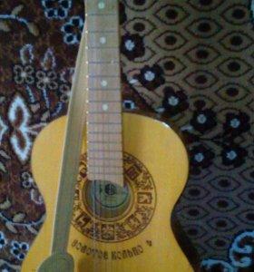 """Гитара """"Золотое кольцо"""" семиструнная.новая."""