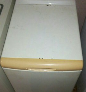 Продаю отличную стиральную машину Whirlpool !
