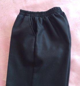 Чёрные брюки на мальчика