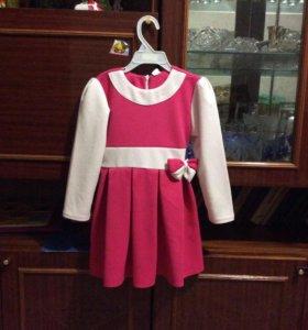 Платье на девочку р-р 104-110