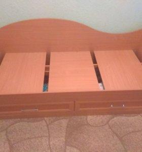 Продам кровать одноместную с шкафами.