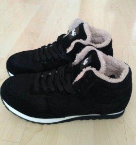 Новые кроссовки зима или демисезонные