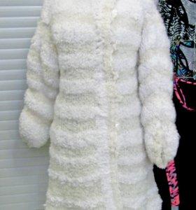 Пальто вязаное спицами