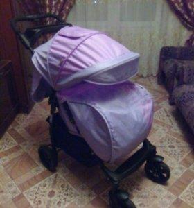 Новая прогулочная детская коляска.