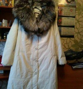 Пальто воротник-капюшон из чернобурки