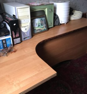 Стол в офис