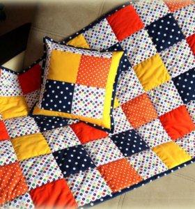 Одеяла, подушки в стиле пэчворк.