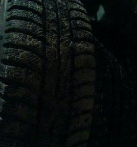 Зимние шипованные шины, новые.
