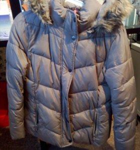 Утепленная куртка с капюшоном р-р 44-46