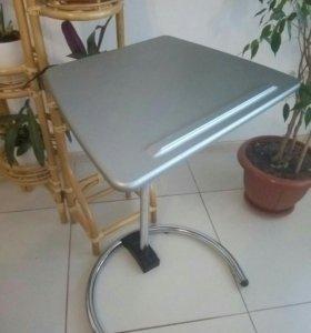 Стол для ноутбука.