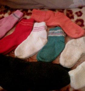 Шерстяные носки, варежки