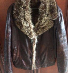 Кожаная зимняя куртка воротник енот