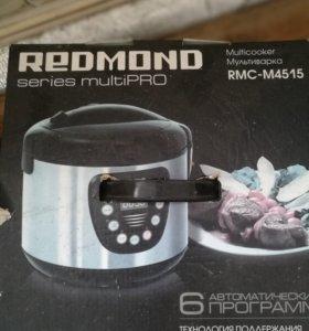 Мультиварка Редмонд М4515