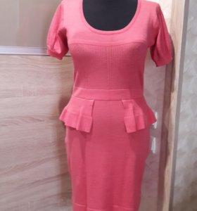 Платье коралловое с баской