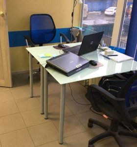 Стеклянные столы для офиса