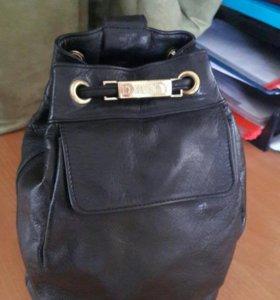 Рюкзак кожаный DKNY