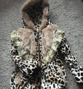 Куртка (новая) для девочки 4-5 лет